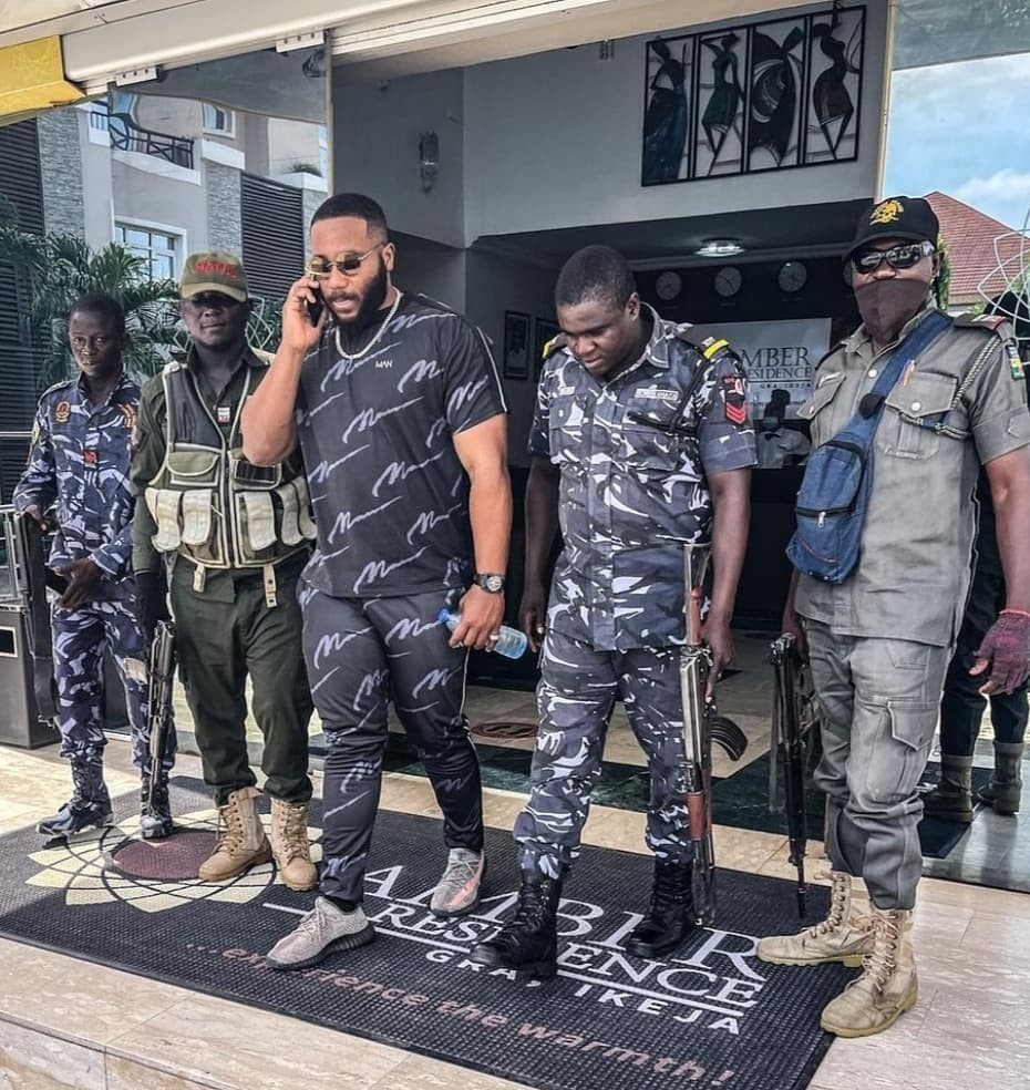 Police Under Attack As BBNaija's Kiddwaya Steps Out With Four Escorts -  Afemai Reporters